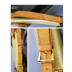 Louis Vuitton Bags - Auth LOUIS VUITTON THOMPSON  STREET Shoulder Bag
